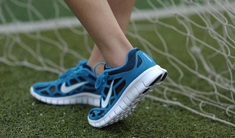 Как отремонтировать сетчатую обувь