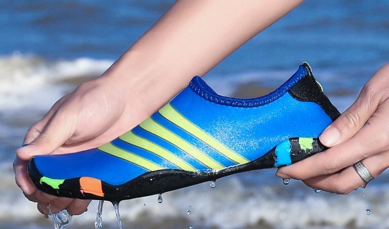 Обувь для плавания